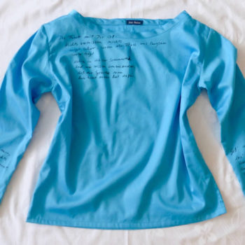 Poetic-Shirt mit handgeschriebenem Gedicht
