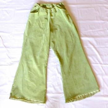 Grüne Cordhose mit Taschen und Gummizug