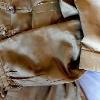 Hemd aus Bio-Baumwolle Satin, Farbe Khaki | Detail
