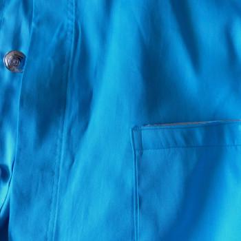 Hemd aus türkisfarbener Bio-Baumwolle | Detail